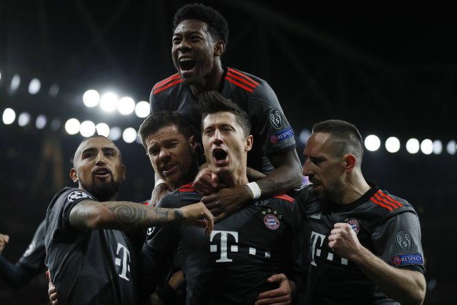 Bayern run riot again to crush dispirited Arsenal 10-2 on aggregate