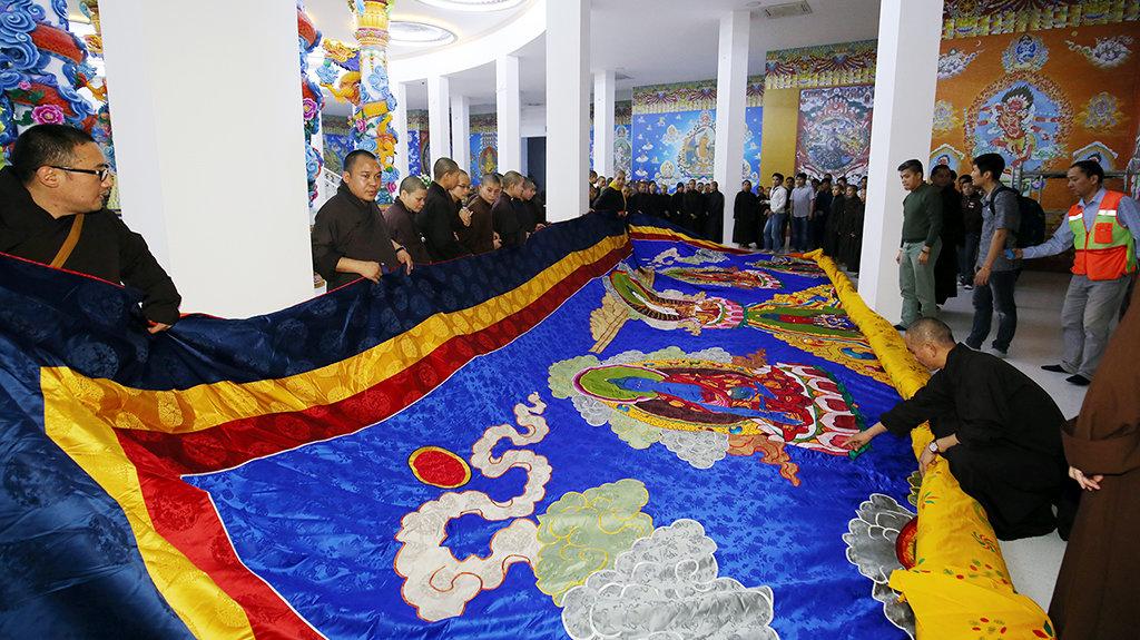 Gyalwang Drukpa to gift Vietnam giant Guanyin embroidery