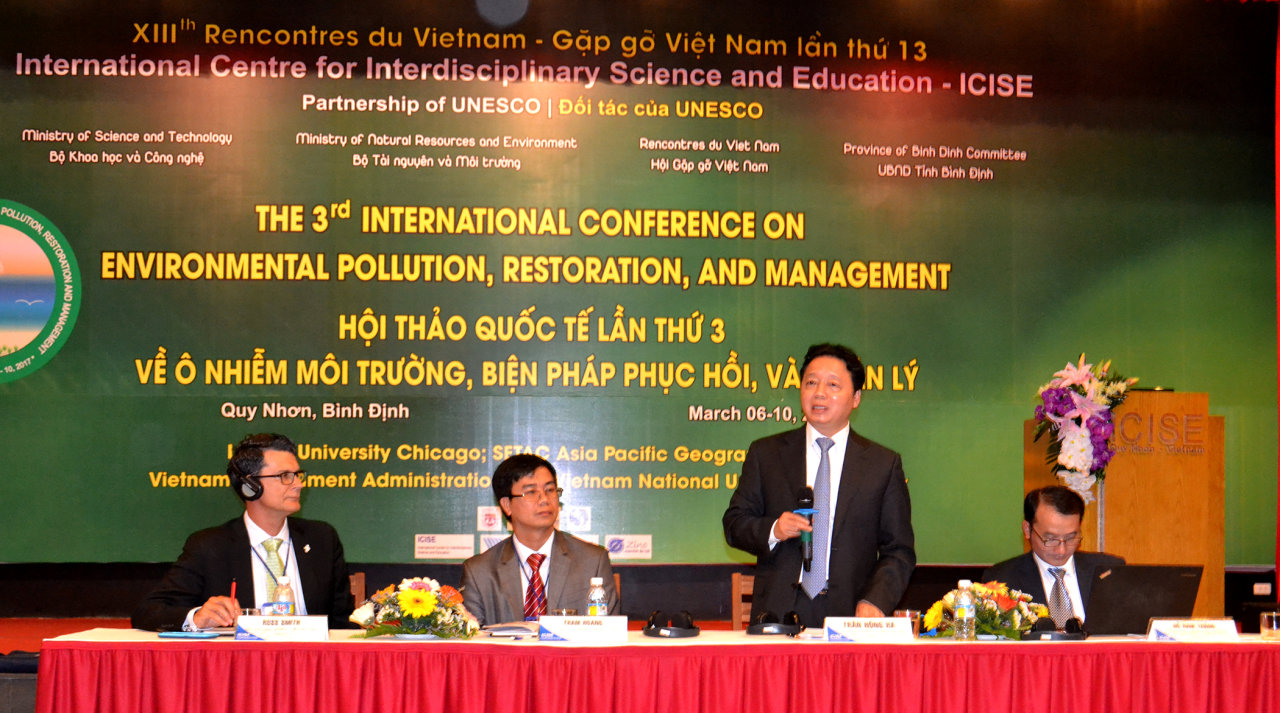 Vietnam seeks environmental protection help from foreign scientists