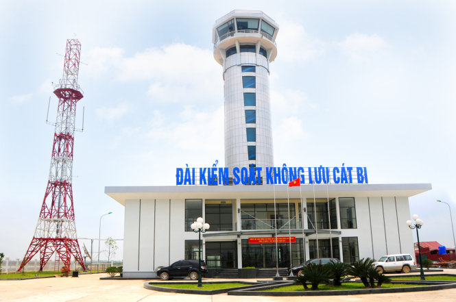 Flights unable to contact sleeping air traffic controller at Vietnam airport