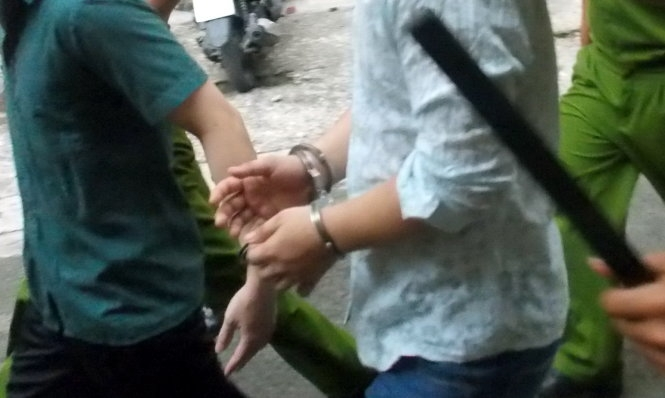 Villagers hold police officers captive outside Hanoi