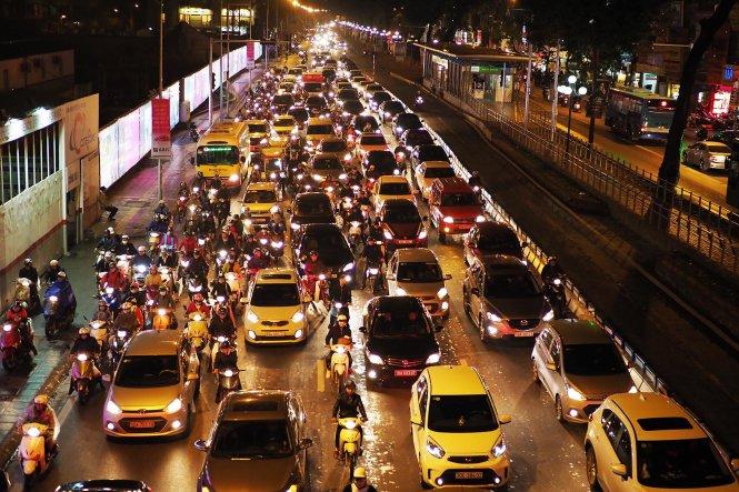 Solving Hanoi's traffic nightmare