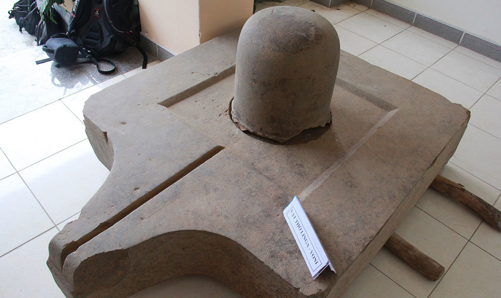 Biggest set of Lingam-Yoni found in central Vietnam