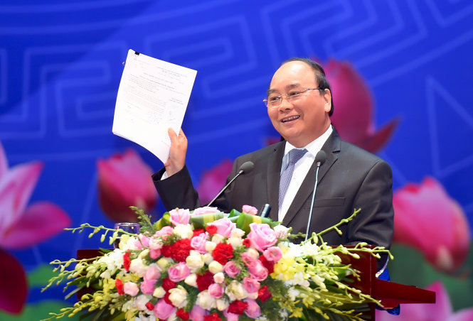 Vietnam PM addresses 2,000 in pro-business meeting