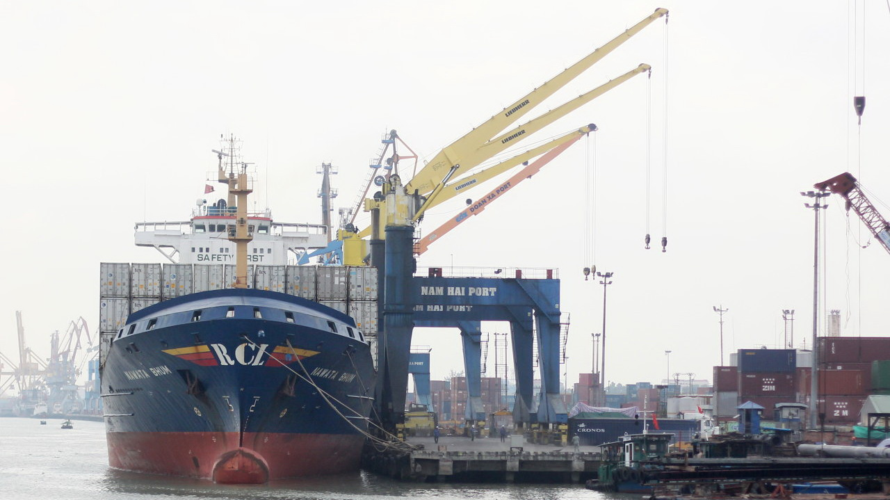 Export-import costs in Vietnam four times higher than in Singapore