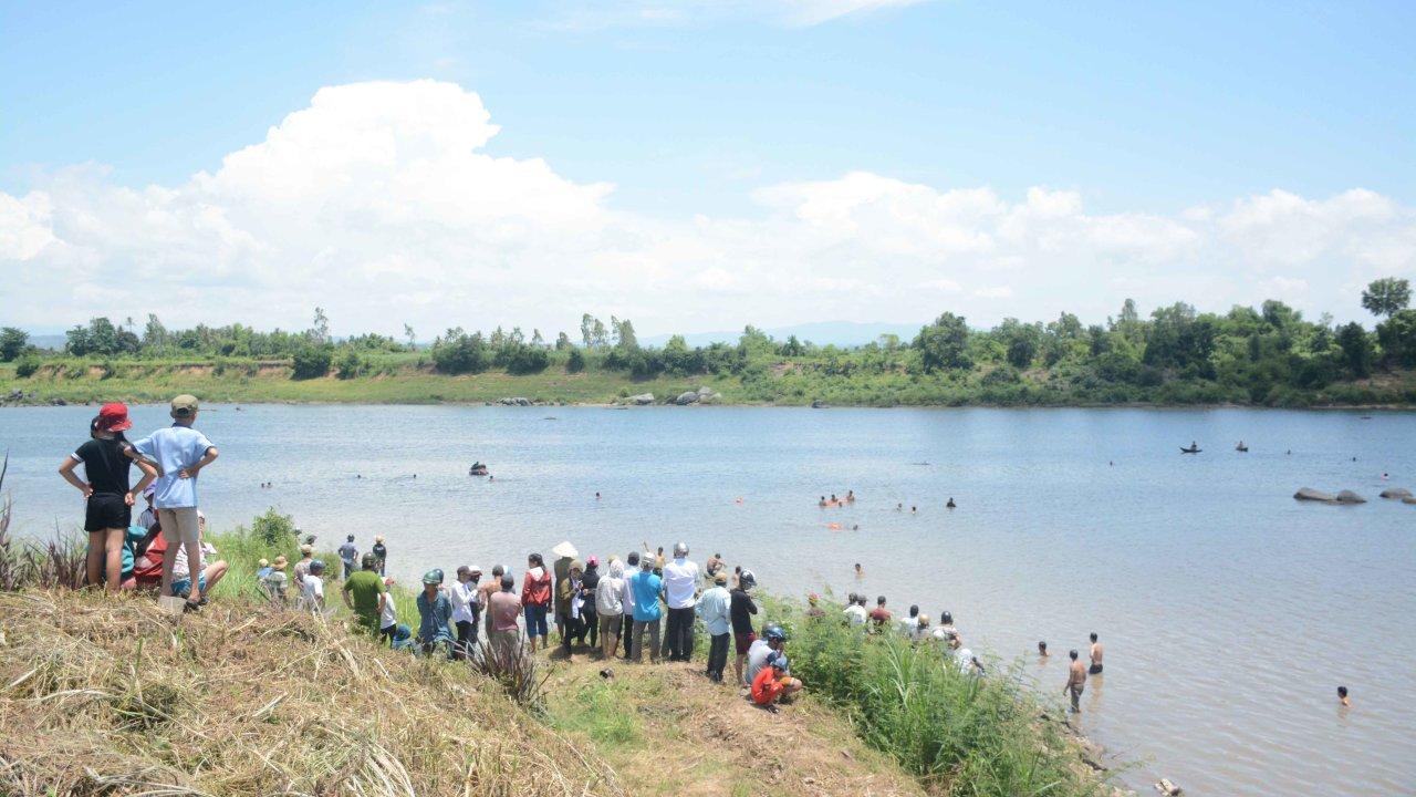 Four Vietnamese schoolchildren drown in river as hydropower plant dumps water