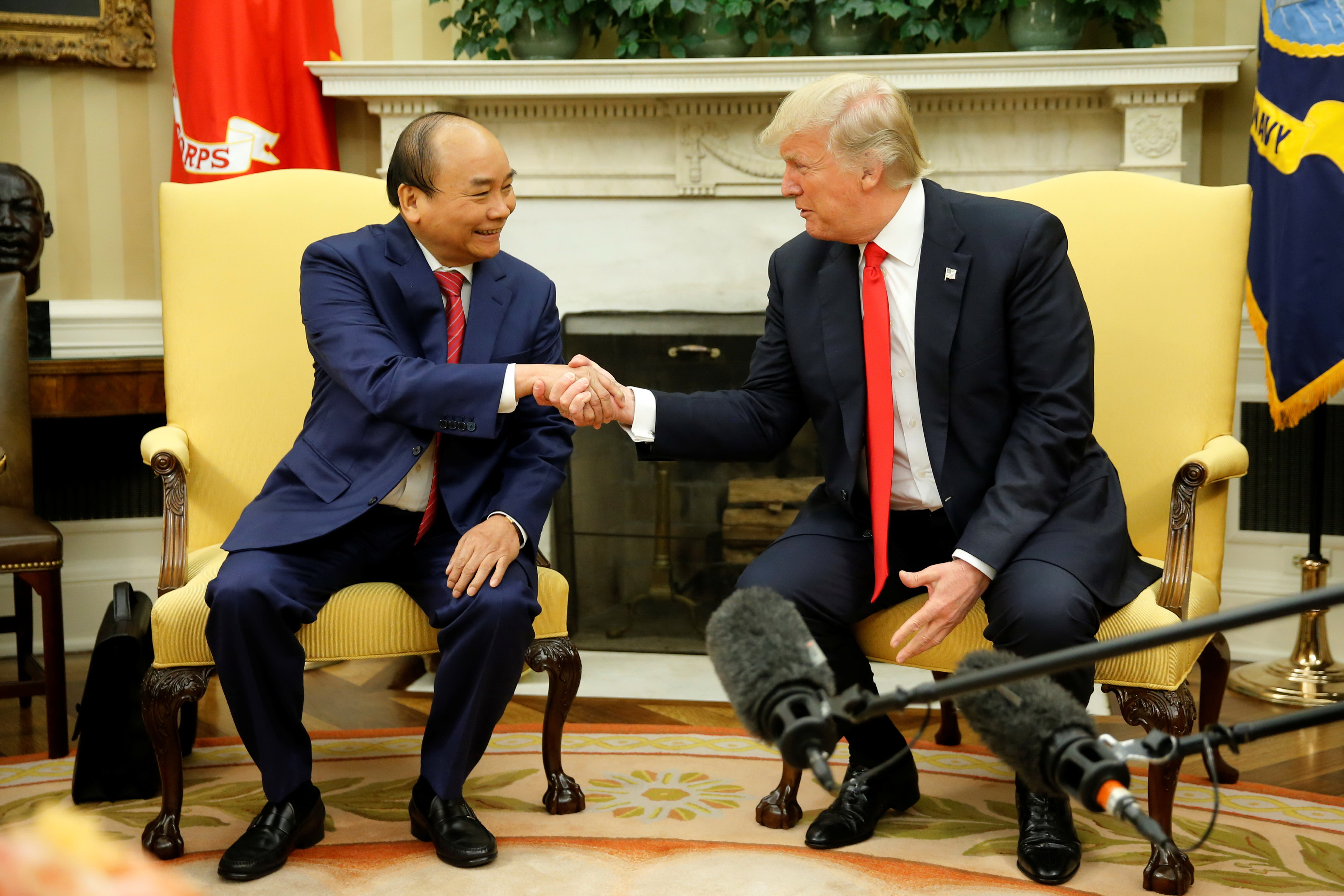 Joint statement by Vietnam, US after PM Phuc's visit to White House