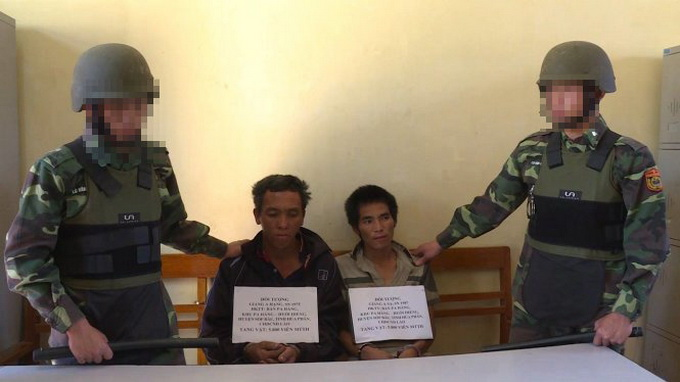 Two Laotians caught smuggling narcotics into Vietnam