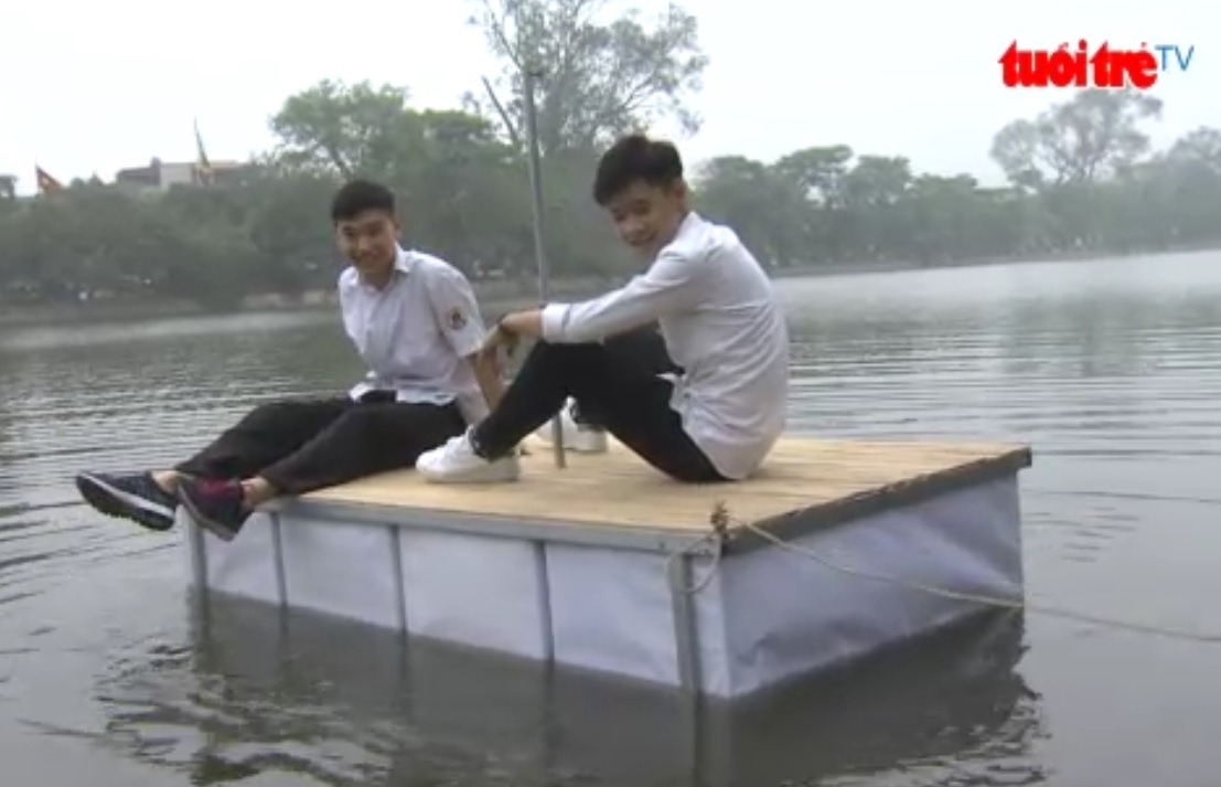 Students construct floating bed to save lives in flooded areas