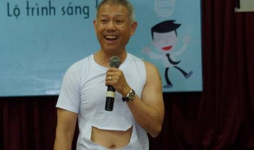 Vietnamese professor wears shorts to teach out-of-the-box thinking