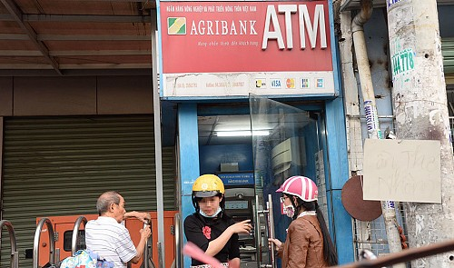 Vietnamese lenders shut down night-time ATM services for better security