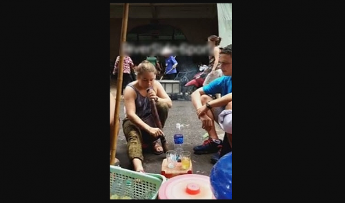 Foreign woman knocked out by Vietnamese wild tobacco