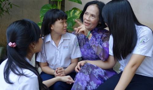 Expat educators discuss 'moral score' evaluation in Vietnam
