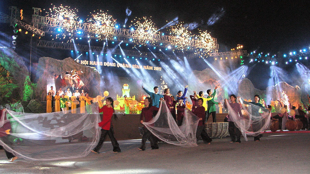 'Kingdom of caves' festival opens in north-central Vietnamese province