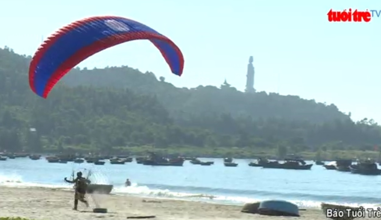 Da Nang Paragliding Open 2017 features dozens of international competitors
