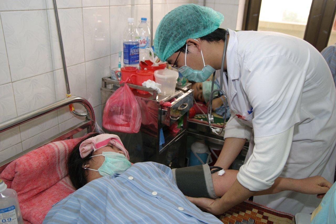 Dengue fever, encephalitis multiply throughout Vietnam
