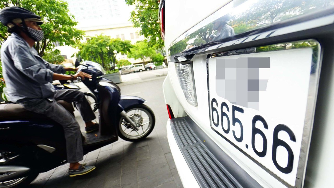 vietnam to auction lucky vehicle license plates tuoi tre news. Black Bedroom Furniture Sets. Home Design Ideas