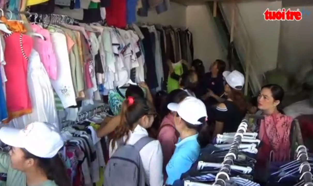 Free clothing store serves the needy in southern Vietnam