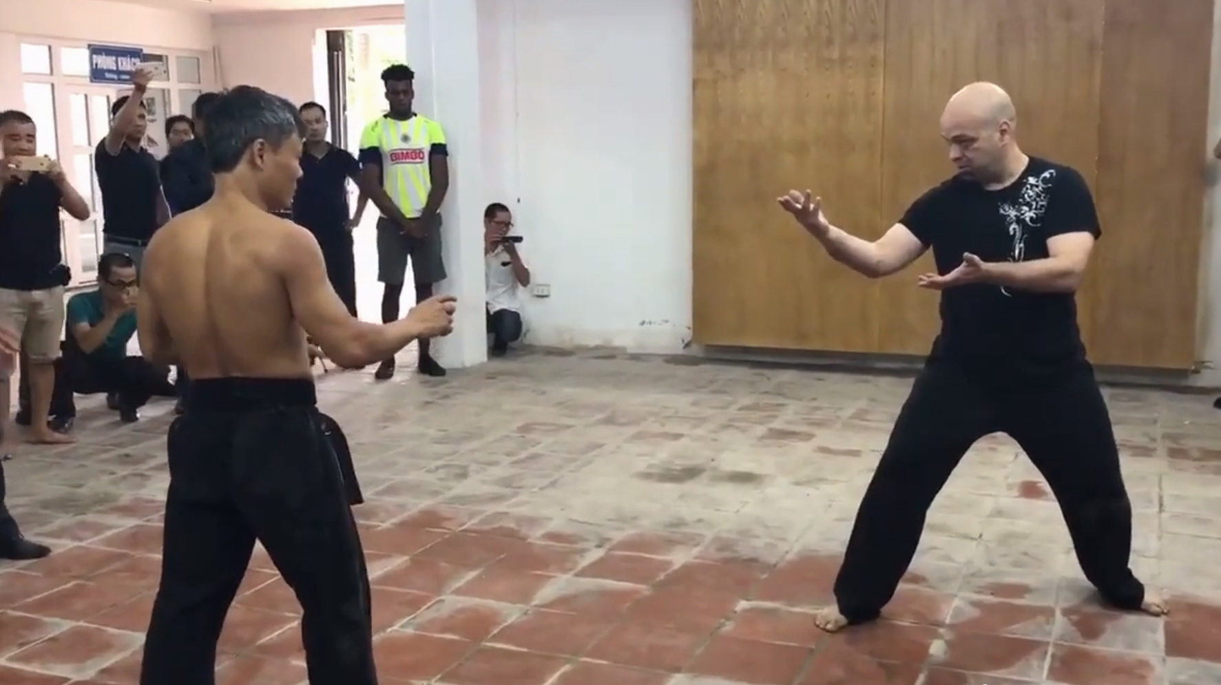 Should martial art duels be regulated by law in Vietnam?