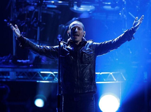 Linkin Park singer Bennington dead in apparent suicide: coroner