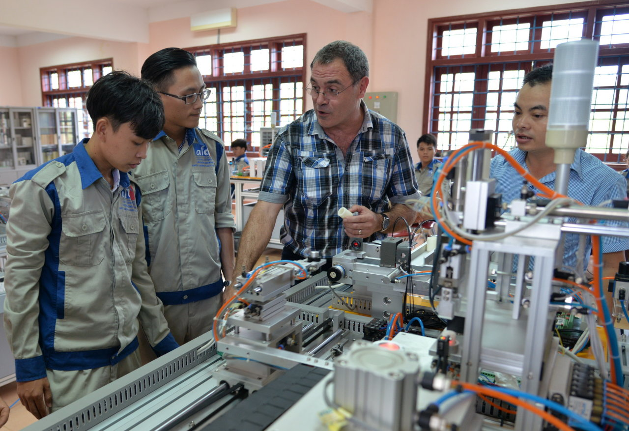 French experts desire to make global Vietnamese technicians