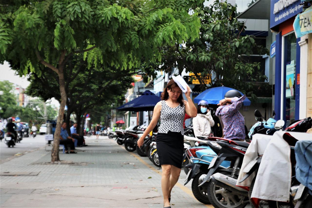 Sidewalks remain clear as Saigon's 'sidewalk clearance' campaign ends