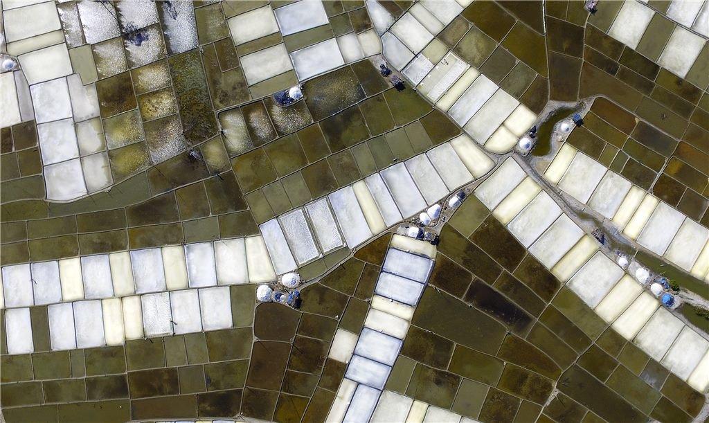 'Salt flats' by Nguyen Tien Dung – second prize