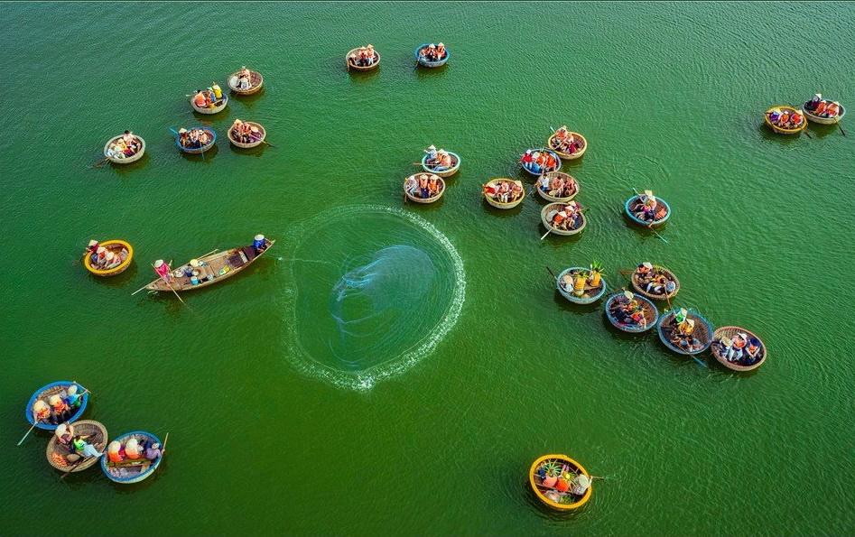 'Eco-tourism' by Mai Thanh Chuong – consolidation prize