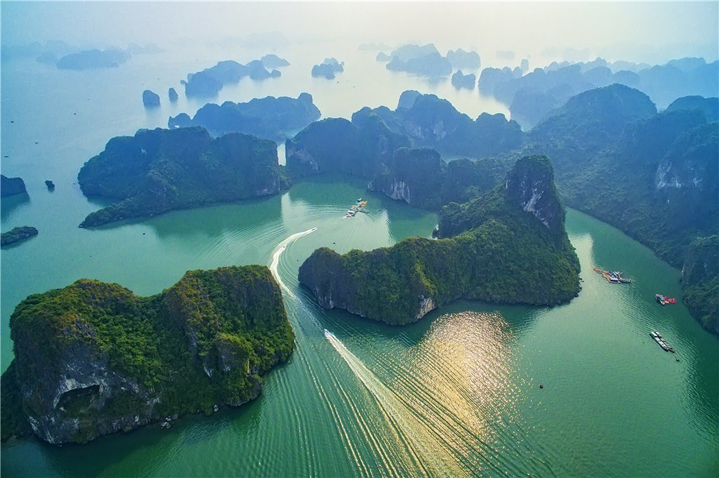 'Mysterious Ha Long Bay' by Nguyen Minh Tan – consolidation prize