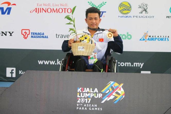 Vietnam starts ASEAN Para Games with gold haul