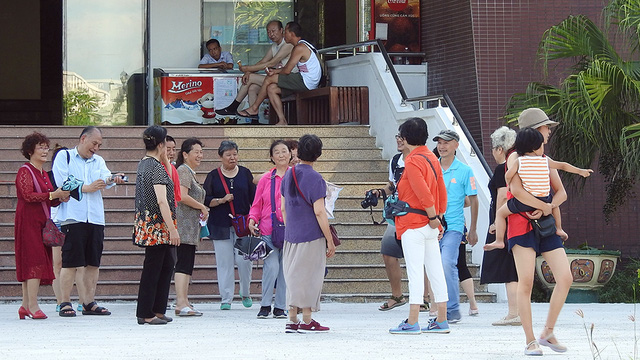 Unlicensed Chinese tour guides remain rampant in Da Nang