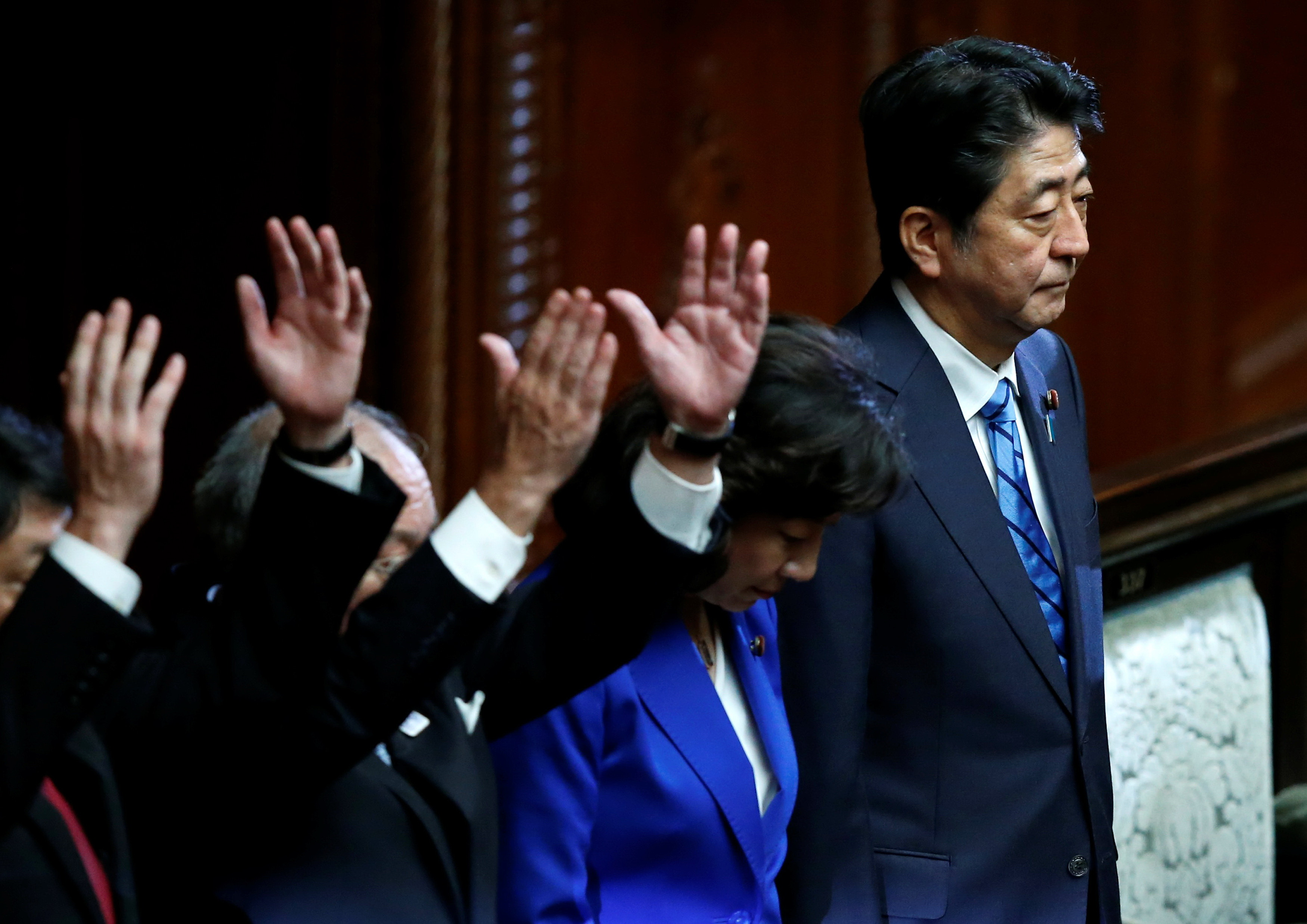 Japan parliament dissolved, snap Oct. 22 election expected