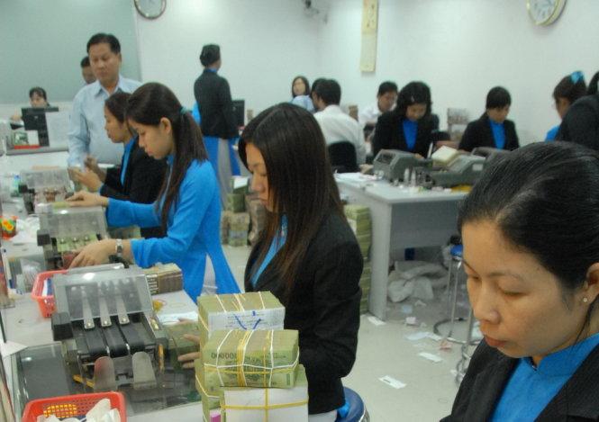 Vietnam's LienVietPostBank plans selling 25 percent to foreigner investors: media
