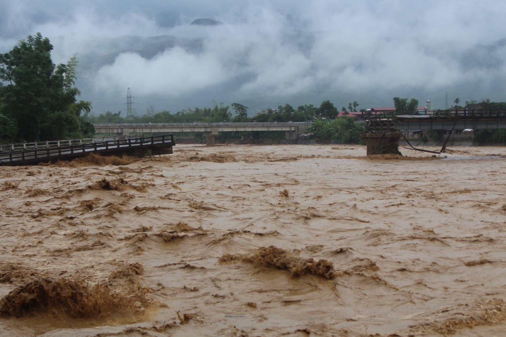 Floods kill at least 40 in Vietnam