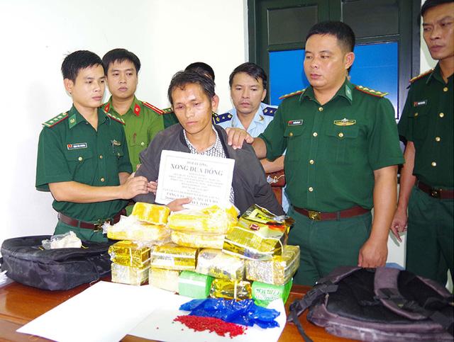 Vietnam arrests man for smuggling 10kg of crystal meth, 20,000 drug pills from Laos