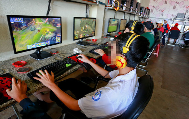 Vietnam grapples with Internet cable problems