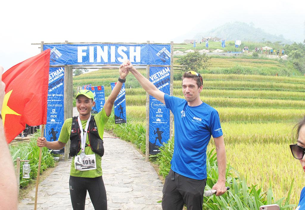 Man becomes first Vietnamese to win 100km ultramarathon in Sa Pa