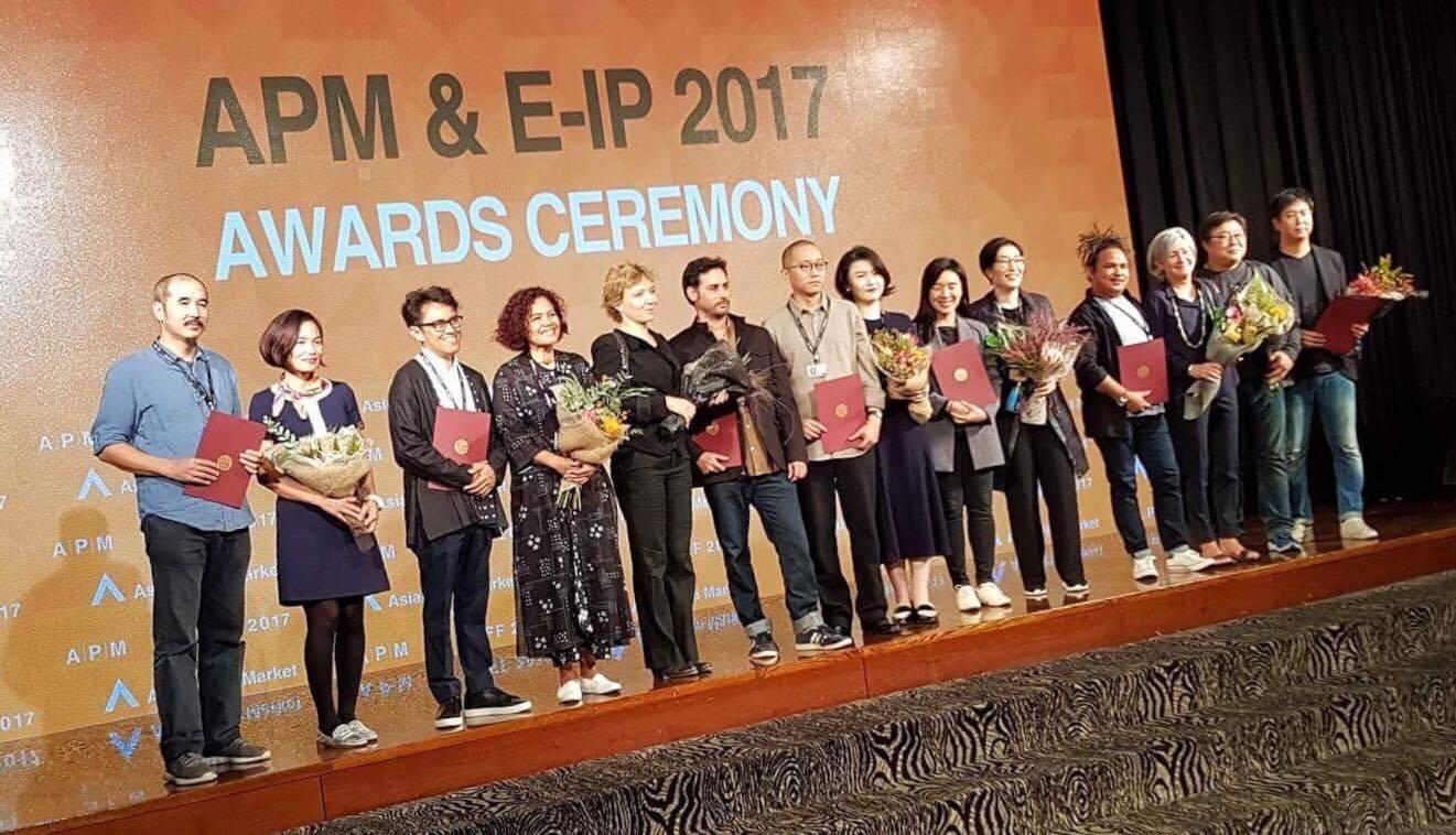Vietnam's 'Glorious Ashes' wins top award at global film market