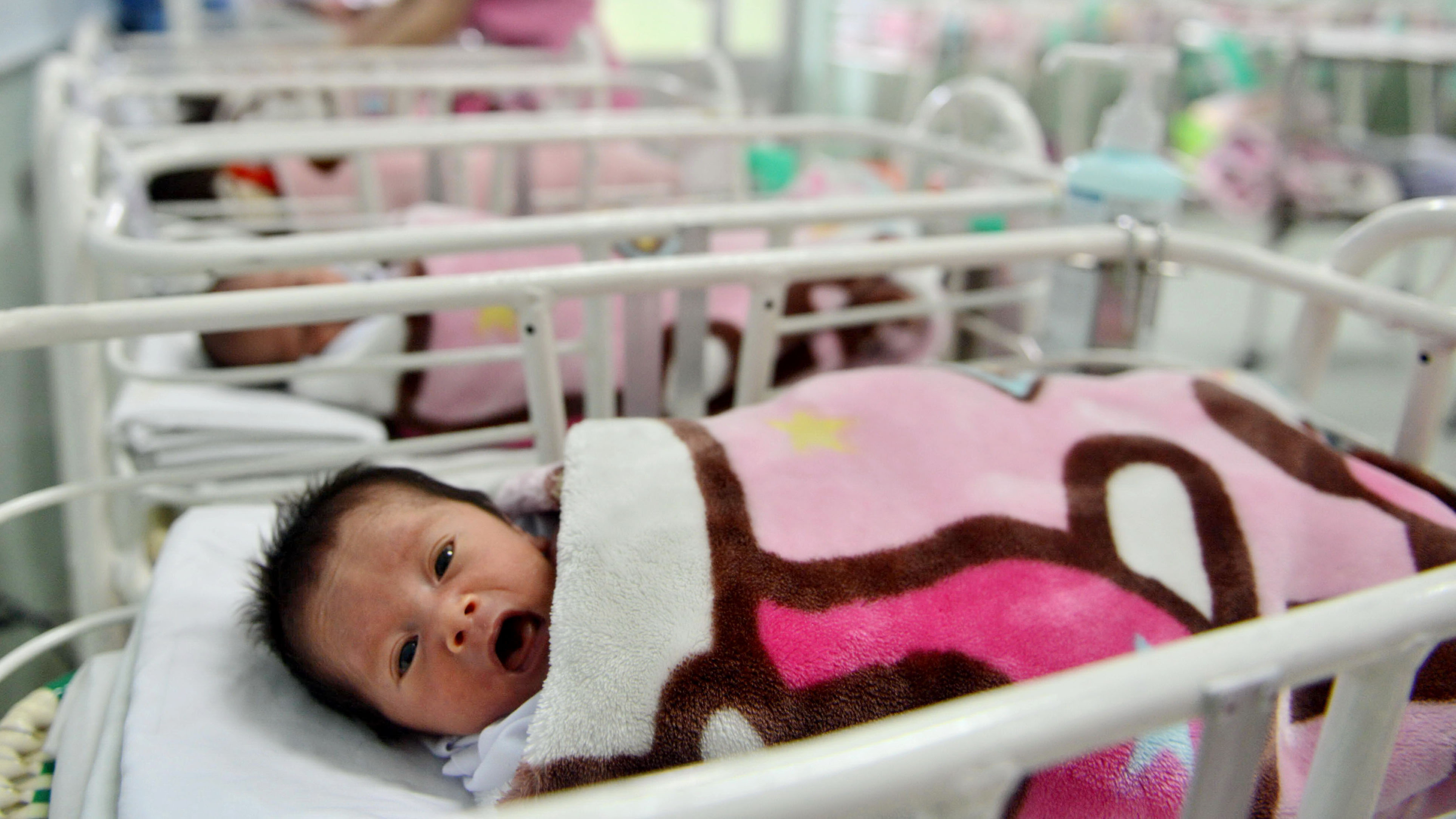 Vietnam scraps planned parenthood in revised population policy