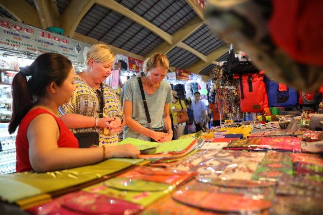 Ben Thanh Market – a Saigon shopping heaven where haggling rules