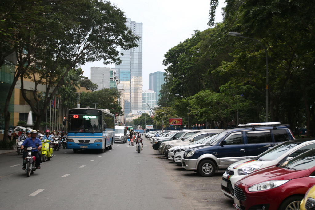 Mobile payment for parking fees piloted in downtownSaigon
