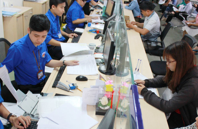 Ho Chi Minh City mulls ban on jeans, swearing at public office