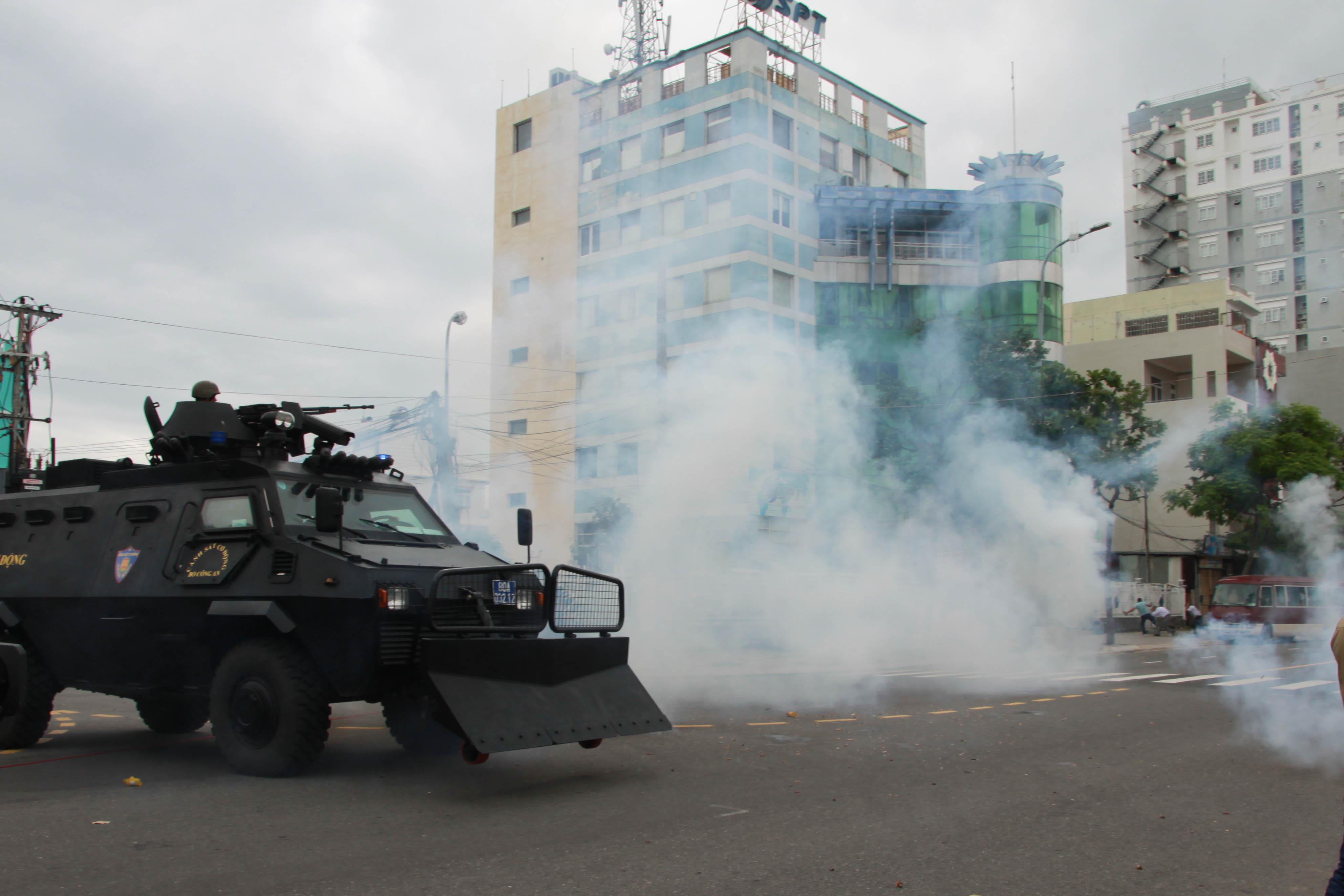 Vietnam performs anti-terror drill before APEC week in Da Nang