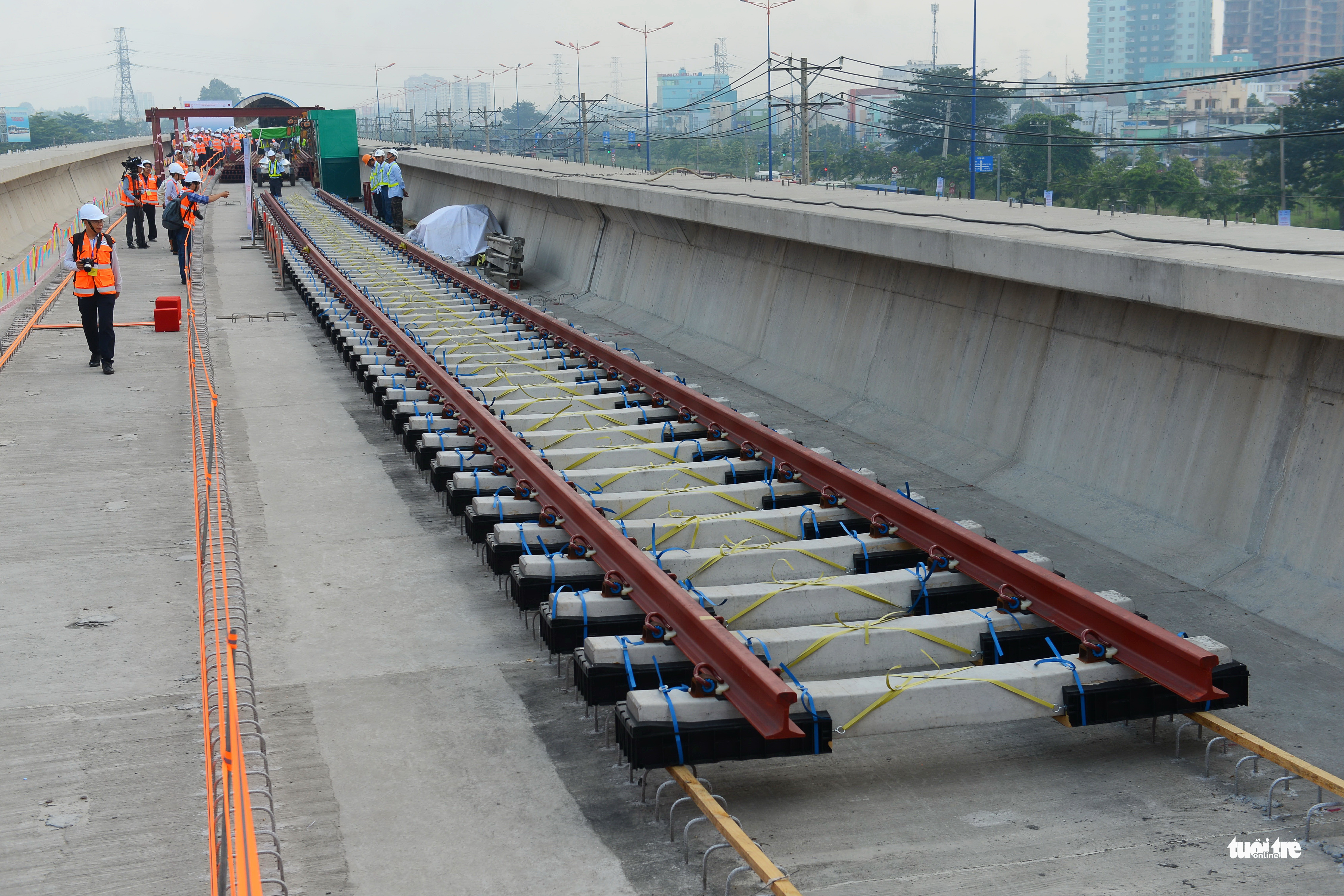 Tracks installed on Ho Chi Minh City's first metro line