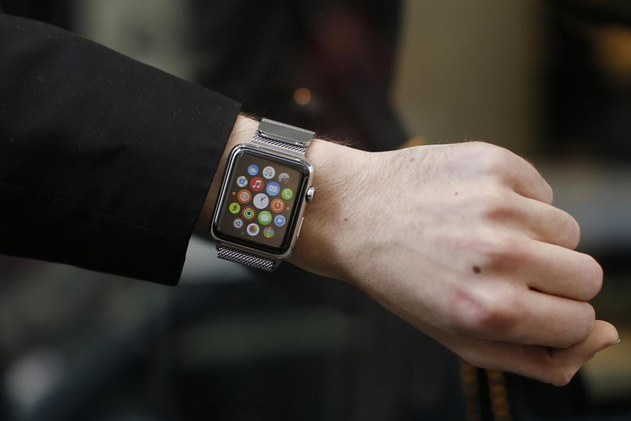 Apple Vietnam requests relaxed import regulations on 'smart watch'