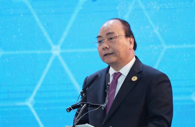 'We Mean Business': Vietnam lures int'l investors at APEC business summit