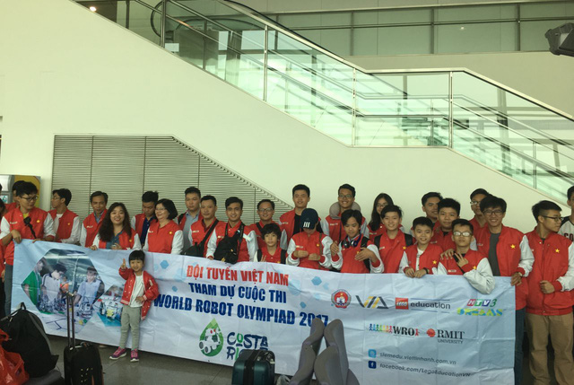 Student teams represent Vietnam at int'l robot competition