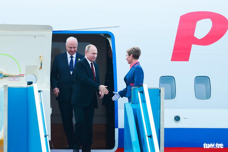 Putin arrives in Da Nang for APEC, to meet with Trump, Xi