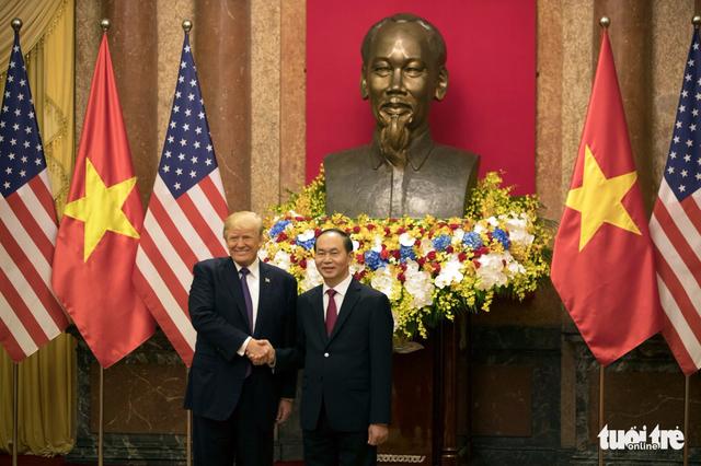 Trump in Hanoi offers to 'mediate' on East Vietnam Sea dispute