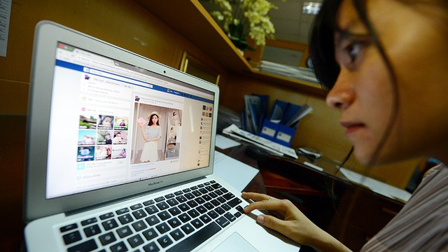 ​Ministry wants Facebook, Google to use Vietnamese payment gateway